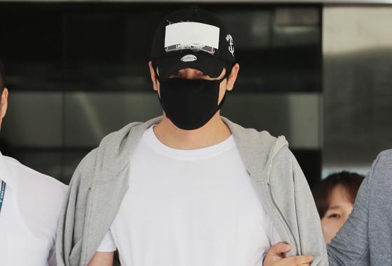 """[전문] 강지환 """"성폭행 모든 혐의 인정, 피해자에 사과"""""""