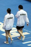 결승전 입장하는 김수지·조은비