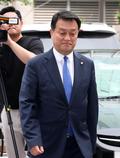 경찰서 향하는 윤준호 의원