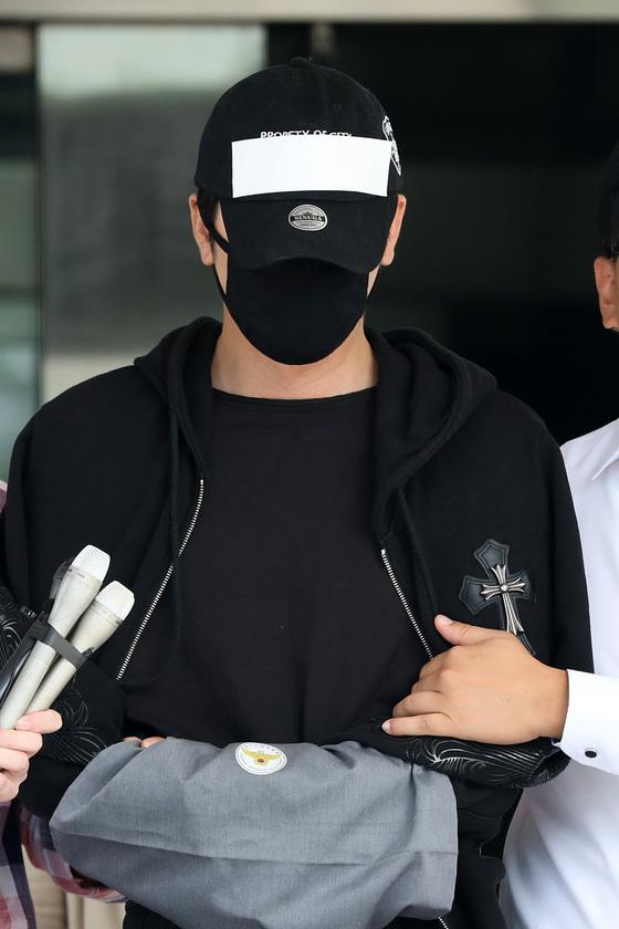 """'성폭행 혐의' 강지환에 3년 구형 """"내가 밉고 용서안돼"""" 눈물"""