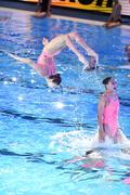 공중연기 펼치는 한국 아티스틱수영 선수들