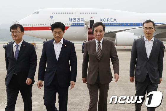이낙연 총리, 4개국 순방 마친 뒤 서울공항 도착