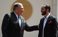 [사진] 엘살바도르 대통령과 친근하게 얘기 나누는 폼페이오