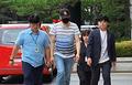'경의선숲길 고양이 패대기' 30대 남성 법원 출석