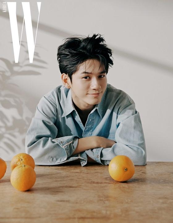 [N화보] 옹성우, 청춘의 싱그러운 매력…남친미 발산