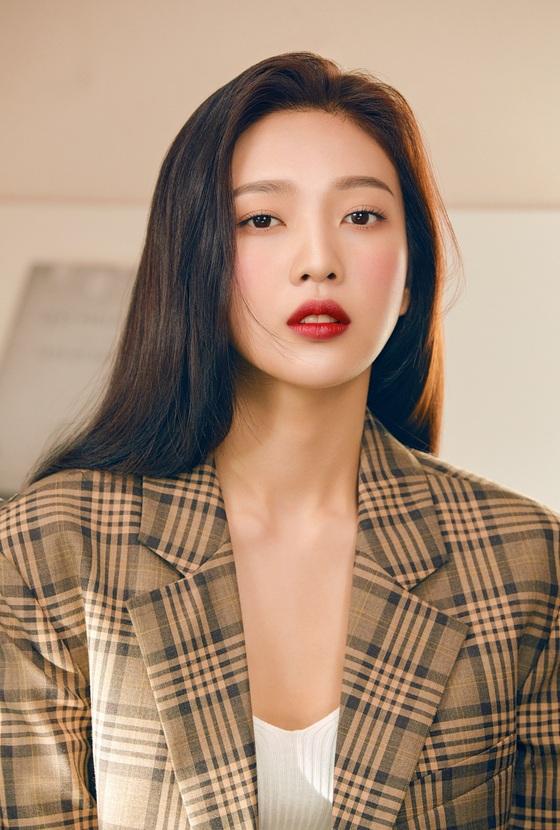 레드벨벳 조이, 강렬한 레드립으로 보여준 섹시미
