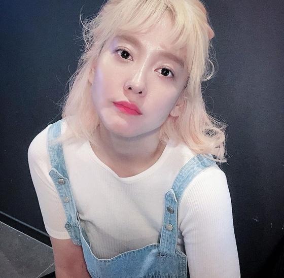 [N샷] '27㎏ 감량' 다나, 금발 변신+물오른 미모
