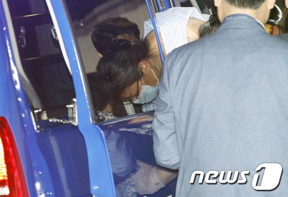 박근혜 전 대통령, 어깨 수술 위해 병원 입원