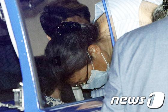 어깨 수술 위해 병원 도착한 박근혜 전 대통령
