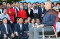 황교안 대표 바라본는 한국당 의원들