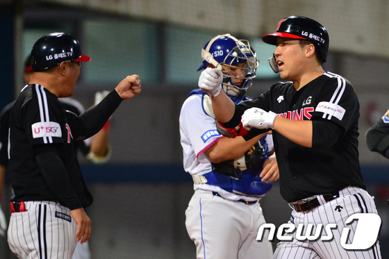 김현수 투런포 좋아