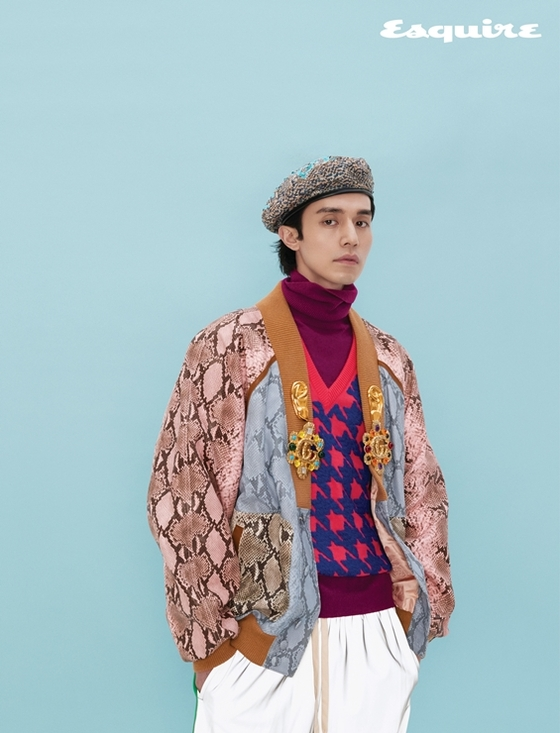 이동욱, 난해한 패션도 소화…화려한 가을 남자