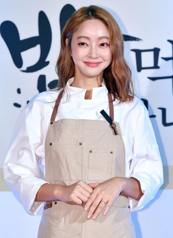 서효림, 9세 연상 김수미 아들과 12월 결혼+2세 임신 발표