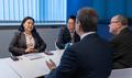 WTO 사무총장과 대화하는 유명희 통상교섭본부장