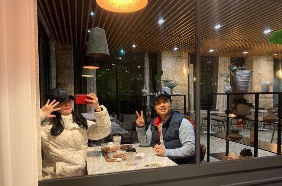정준♥김유지, 설 연휴에도 커플모자 쓰고 '꿀 뚝뚝' 데이트