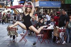 뉴욕 거리의 댄서