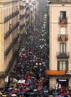카탈루냐, 투표중단 헌재결정에 반발 시위