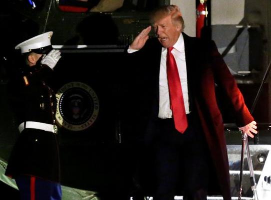 '대통령의 날' 백악관으로 돌아온 트럼프