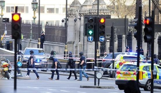 런던 웨스트민스터 다리 테러 현장