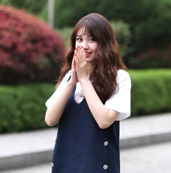전소미, '수줍은 미소~'