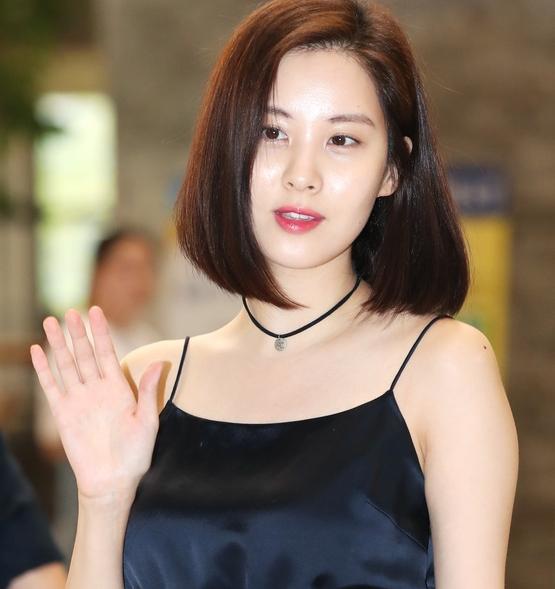 서현, '달콤한 손인사'