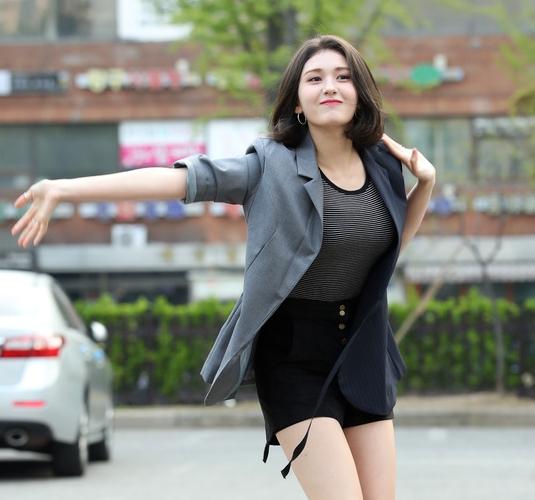 전소미, 출근길 흥폭발
