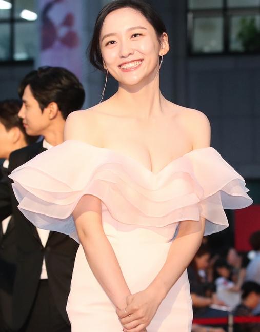 박지현, 청순 글래머