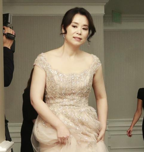 장혜진, '오스카' 빛낸 우아한 드레스 자태