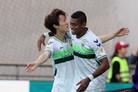 '이재성 선제골-이동국 쐐기골' 전북, FC서울 4-0 대파 (종합)