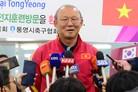 '베트남 영웅' 박항서 감독 금의환향…통영에서 동계 훈련 진행