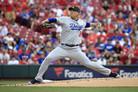 """외신 """"류현진,다저스의 가장 뜨거운 에이스"""" 극찬…31이닝 연속 무실점"""