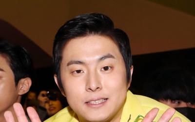 기안84, 웹툰 '복학왕' 여혐 논란→연재 중지 청원 등장→내용 수정(종합)