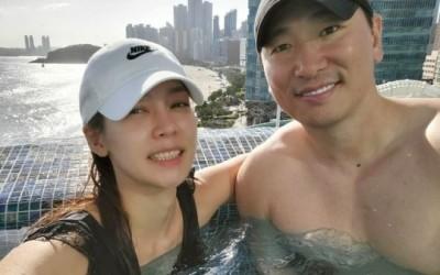 [N샷] 라이머♥안현모, 결혼 3주년 수영장 데이트 '몸짱 부부'