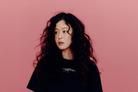 경수진, 비비드 컬러로 부각시킨 미모+팔색조 매력