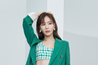 [N화보] 김아중, 크롭티 스타일 변신...여름 몰고 온 여신