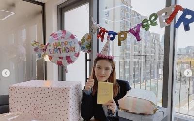 """'조정석♥' 거미, 임신 중 맞이한 생일 """"여러분 없이 못 살아"""""""