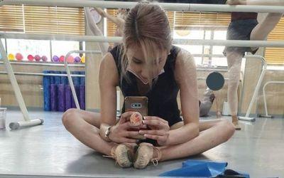 "[N샷] '23세 연상과 열애' 스테파니, 마른 몸에도 다이어트 결심 ""제일 덩치 큼"""