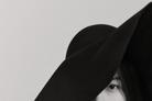 [N화보] 하지원, 덜어낸 메이크업 속 본질적 아름다움 '시크+우아'