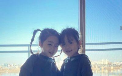 [N샷] 한그루, 귀여운 쌍둥이 자녀 공개…엄마 닮은 미모