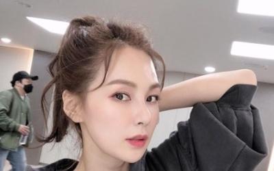 [N샷] '갸름한 턱선' 채연, 44세 믿기지 않는 최강 동안 미모