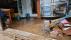 '집안으로 밀려들어온 빗물'