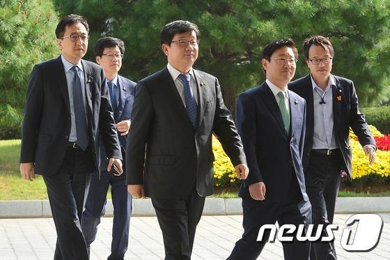더민주, '최순실 게이트' 수사 촉구 항의 방문