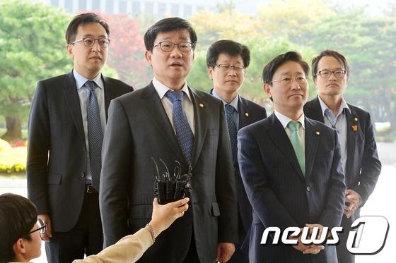 더민주, '최순실 게이트' 수사 촉구