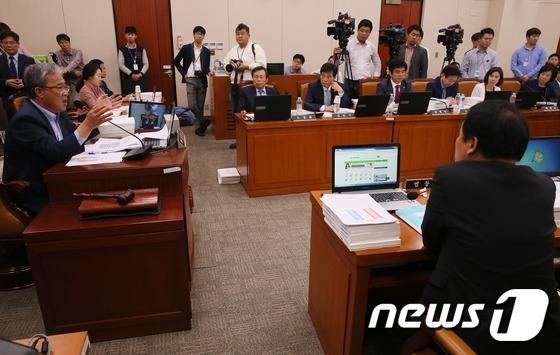 교문위 국감, 증인채택 놓고 '파행 데자뷰'