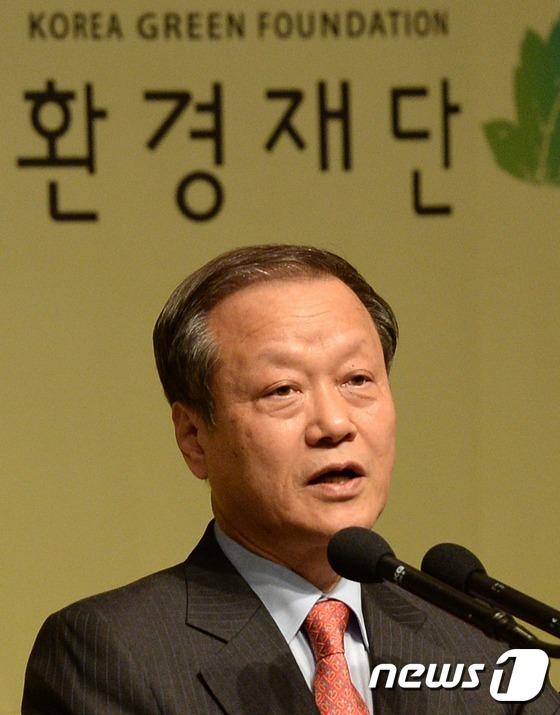 '태양광 선언' 출범식 연 최열 환경재단 대표