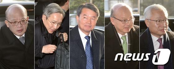朴 대통령 탄핵심판 1회 변론기일 \'헌재의 판단은?\'
