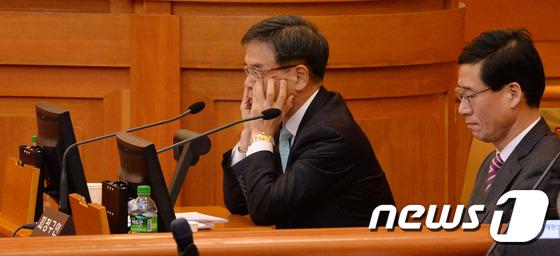 변론기일 참석한 대통령측 이중환 변호사