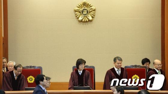11차 변론 입장하는 헌법재판관들