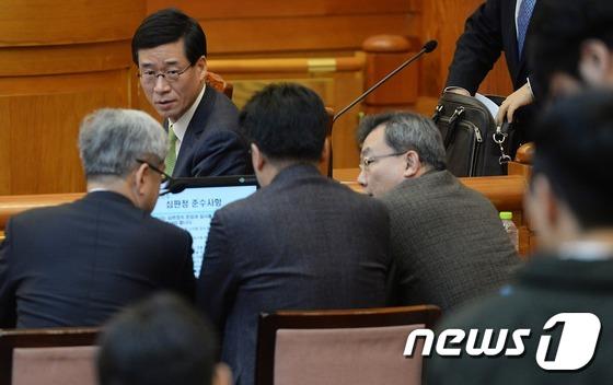 심각한 박근혜 대통령측 변호인단