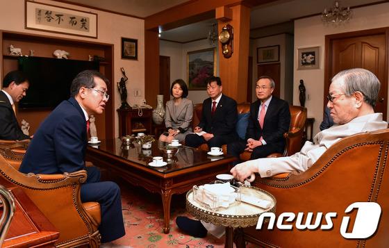 홍준표, 김종필 전 총리 예방